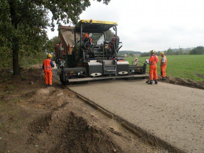 Trwa przebudowa drogi gminnej Budy - Chojno
