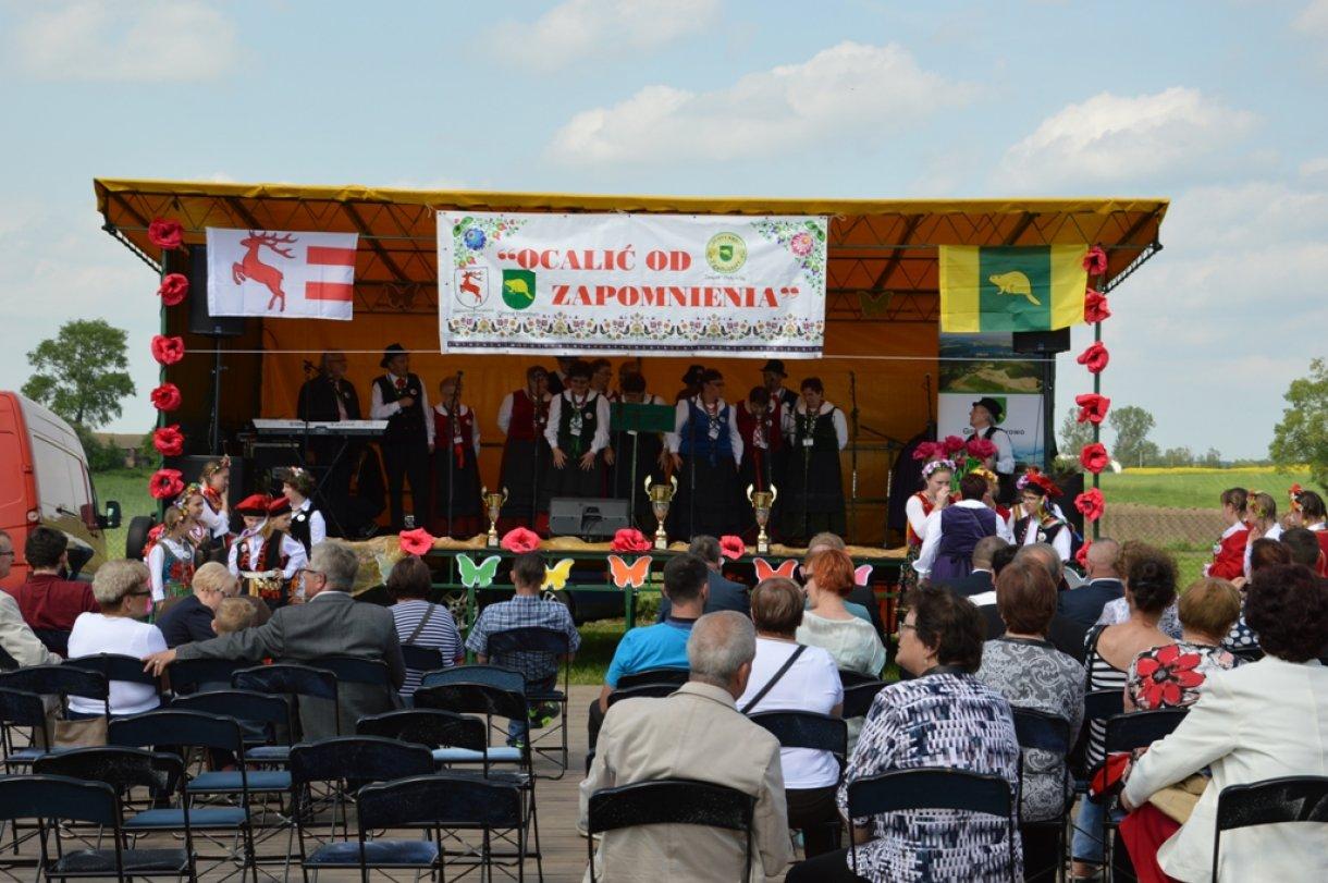 III Festyn Powiatowy  ˝Ocalić od zapomnienia˝