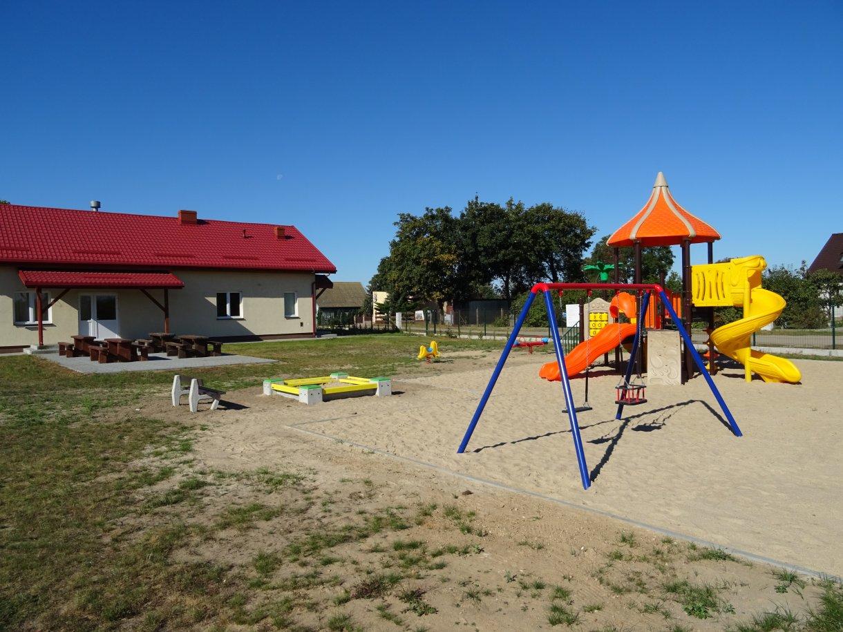 Nowy plac zabaw wmiejscowości Wądzyn