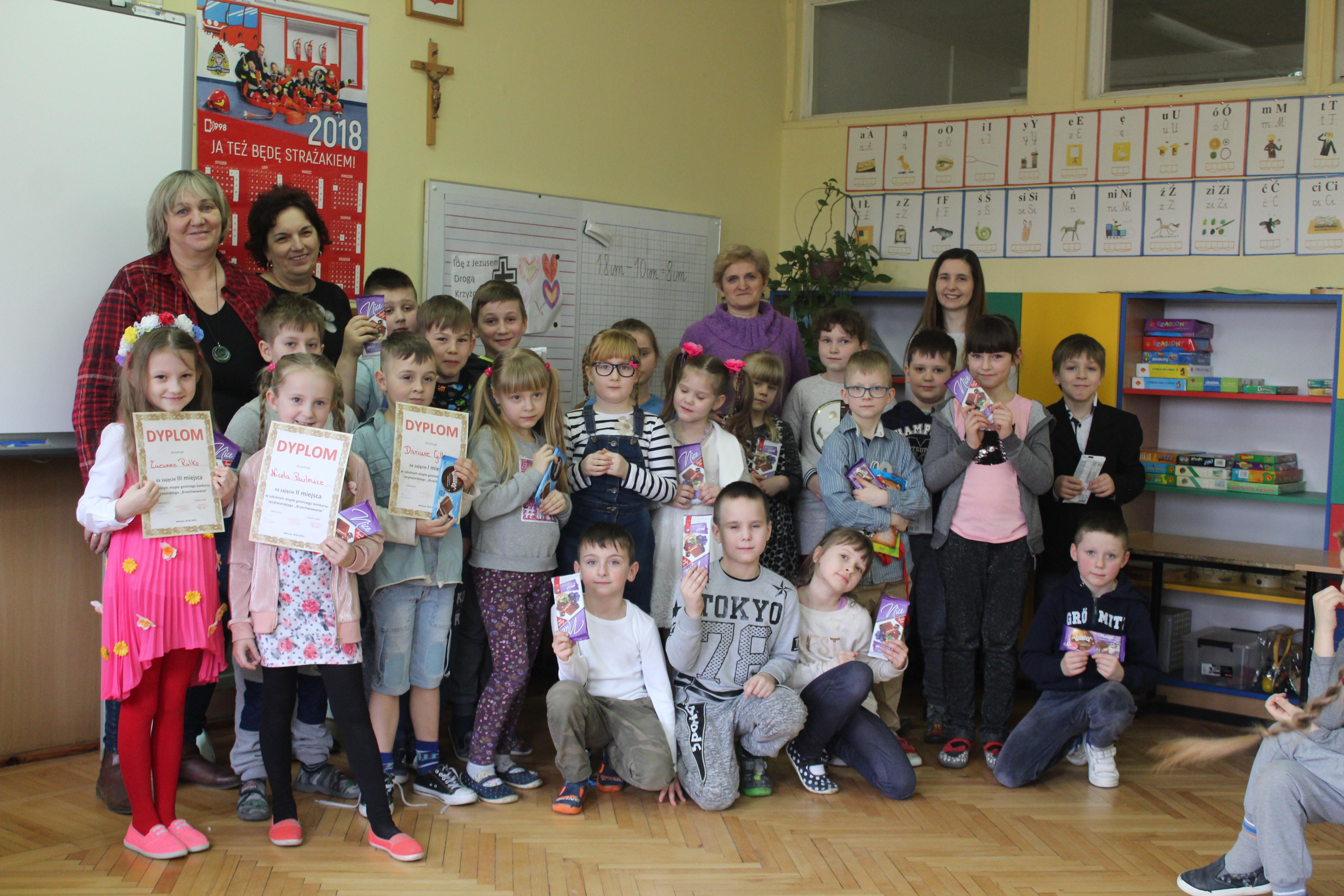 Wiadomości ze Szkoły Podstawowej w Bobrowie - Szkoły - rok